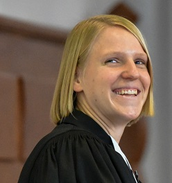 Eva Rathgeber : Pfarrerin, LA, Programm- u. PR-Ausschuss