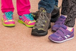 childrens-shoes-700069_640