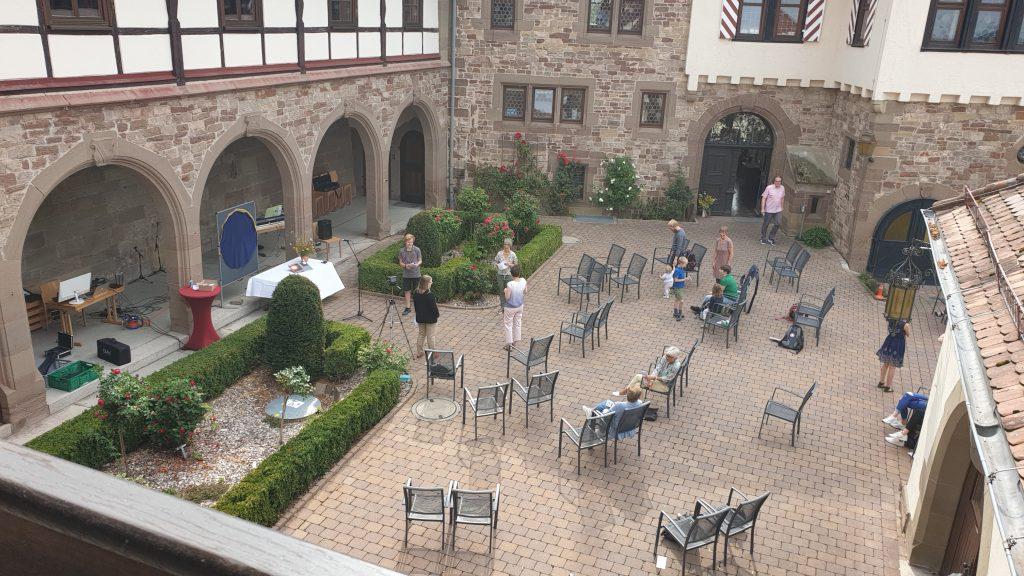 Bestuhlung Schlosshof
